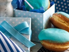 donuts με χρωματιστό γλάσο